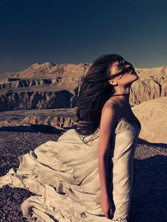 Windblown. Gown. So doing this!  ♥ ♥ ♥