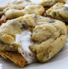 Recipe For Campfire Cookies - These cookies truly are the best of both worlds; they are chewy like a cookie and crunchy like a s'more. However, unlike true s'mores you don't have to have great weather or a fire pit-all you need are s'more ingredients!