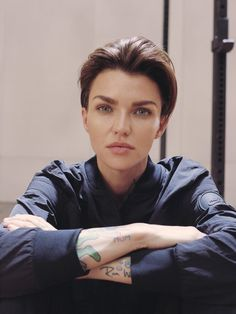 Nike force is female ruby rose sf native 1600 Nike force est une femme rubis rose sf natif 1600 Nina Secrets, Julia Konrad, Brittany Xavier, Rubin Rose, Carla Diaz, Looks Kylie Jenner, Jesy Nelson, Australian Models, Orange Is The New Black