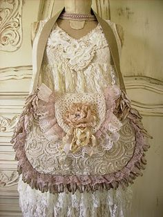 lace purse. I love lace, pink and purses sooooo....gotta pin it.