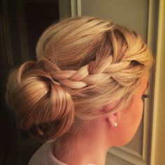 Wedding hair up-do