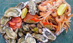 Clean Monday: How to separate the fresh …- Καθαρά Δευτέρα: Πώς… Shellfish Recipes, Lobster Tails, Fish And Seafood, The Fresh, Shrimp, Meat, Separate, Sky, Animals