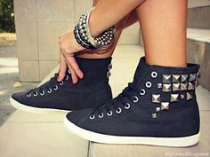 shoes con tachas