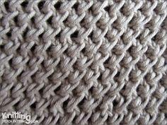 Raindrop stitch |  embossed knitting stitch   |  knittingstitchpatterns.com