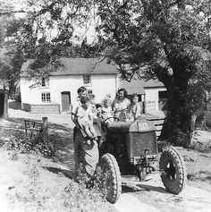 Early-farm-+-tractor-1959.jpg (582×585)