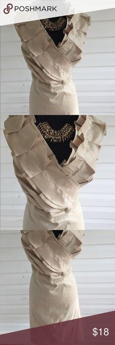 Sleeveless Ruffled Midi Dress Just in time for spring gorgeous sleeves Midi Dress with beautiful ruffles details. Measurements  Bust44 Waist 42 Length 38 from hem to hem Merona Dresses Midi