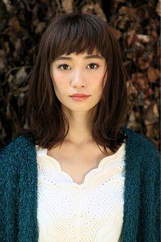 HAIR(ヘアー)はスタイリスト・モデルが発信するヘアスタイルを中心に、トレンド情報が集まるサイトです。20万枚以上のヘアスナップから髪型・ヘアアレンジをチェックしたり、ファッション・メイク・ネイル・恋愛の最新まとめが見つかります。 Hair Arrange, Japanese Hairstyle, Dream Hair, Pretty Hairstyles, Bangs, My Hair, Asian Girl, Beauty Hacks, Stylists
