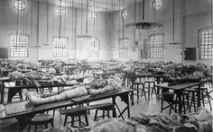 Partially dissected cadavers on tables in the dissecting room at the Jefferson Medical College in Philadelphia, PA, circa 190 medical treatment 27 Crazy Images Of Medical Treatments Through History Medical Anatomy, Vintage Medical, Medical College, Medical School, Medical History, Med School, Poses, Historical Photos, Vintage Images