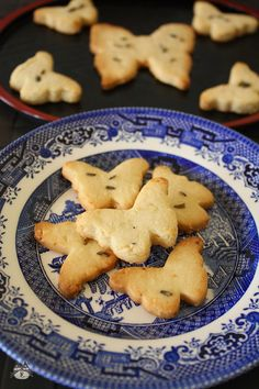 Airinie Cooks: Her Eclectic Kitchen: Raya Cookies: Yuzu and Lavender Cookies
