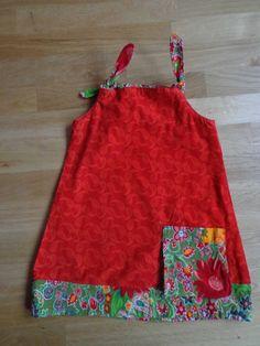 Kleidchen von einem Schnitt von Burda. Das Schwierigste ist die Tasche.