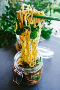 The Londoner's recipe for Travelling Noodles - a one pot noodle soup recipe designed for an al desko lunch - won in the best 'go-to' recipe category Soup Recipes, Vegetarian Recipes, Cooking Recipes, Healthy Recipes, Detox Recipes, Lunch Recipes, Cooking Ideas, Food Ideas, Mason Jar Meals