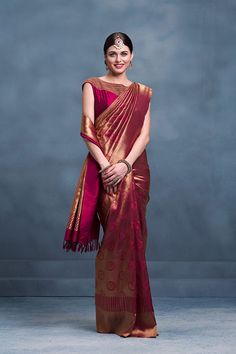 Attending a Wedding? Check Out These Stylish Silk Sarees South Indian Wedding Saree, Indian Bridal Sarees, Wedding Silk Saree, Indian Beauty Saree, Indian Weddings, Wedding Blouses, South Indian Sarees, Wedding Dresses, Kanchipuram Saree Wedding