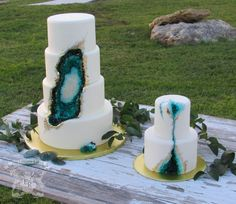 Teal To Emerald Green Beauty Geode Cake