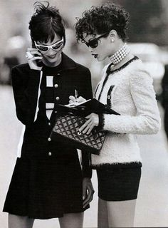 """""""The New Shape Of Chic"""", Elle US, November 1994  Photographer : Mike Reinhardt  Models : Carolyn Murphy & Unknown"""