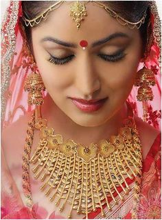 Bengali bridal look with gold Jewelry #Indianbridal #Bridallooks