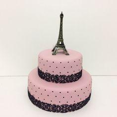 Giorgia data a combinar Paris Birthday Cakes, Square Birthday Cake, Makeup Birthday Cakes, Paris Themed Cakes, 12th Birthday Cake, Sweet 16 Birthday Cake, Paris Cakes, Themed Birthday Cakes, Teenage Girls Birthday Party Ideas