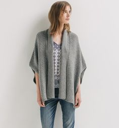 Cape+en+tricot+Femme Poncho Cape, Fall Winter 2015, Pulls, Gilets, Pullover, Couture, Knitting, Sweaters, Outfits