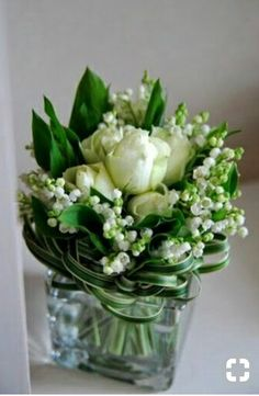 The French Tangerine: ~ lily of the valley~lovely arrangement; would work for bridal bouquet My Flower, Fresh Flowers, White Flowers, Beautiful Flowers, White Peonies, Flower Power, Spring Flowers, Ikebana, Deco Floral