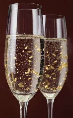 **LUXOR Champagne with flakes of 24 kt gold THE MILLIONAIRESS OF NORTH CAROLINA