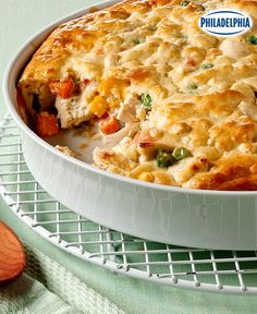 Bite into comfort and creaminess with a satisfying serving of our Savoury Chicken Pie Recipe! And as a bonus, you can get this delicious veggie-filled chicken pie recipe on the table in under an hour. Kraft Recipes, Pie Recipes, Cooking Recipes, What's Cooking, Tapas, Cream Cheese Recipes, Recipe Please, Cooking Instructions, What To Cook