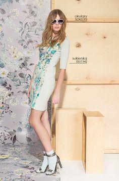 Elegancka #sukienka w kwiaty idealna na wiele okazji