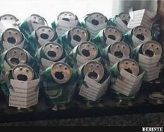 funny holiday decoration ideas: beer can choir. Really Funny Joke, Creative Money Gifts, Christmas Topper, Merry Christmas, Funny Doodles, Advent Candles, Boyfriend Birthday, Xmas Decorations, Diy Art