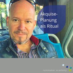 #Rituale sind für deine erfolgreiche #Akquise sehr wichtig! Einen #Cappuccino später ist meine #Call-Liste für heute geplant. Wichtig ist natürlich: nicht verhocken, sondern #arschhoch bringen. 10 Minuten! Na gut... 14 Minuten. Aber nicht länger. 😄 Ich fahr jetzt auch wieder ins Büro.... mit dem Roller. 🛵 Ach ich liebe Rituale! Was sind deine Rituale für die Akquise? #machdeindingerfolgreich #ichlieberituale
