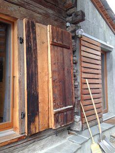 chalet project Windows, Projects, Barn, Log Projects, Blue Prints, Ramen, Window
