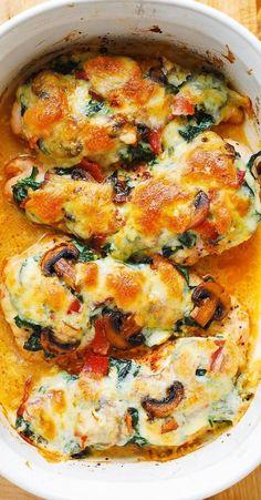 Chicken Spinach Bake, Foil Baked Chicken, Chicken Mushroom Recipes, Smothered Chicken, Creamed Spinach, Baked Chicken Recipes, Spinach Lasagna, Keto Chicken, Spinach Recipes