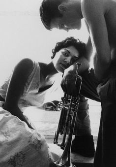 Halema Alli and Chet Baker.  Photo by William Claxton. <3