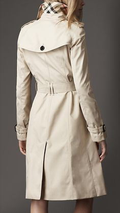 Burberry - London Trench Coat (back)
