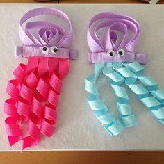 Há inúmeras ideias para fazer enfeites de cabelo infantil divertido para renovar o visual de sua garota.