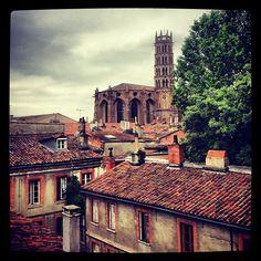 Toulouse en Midi-Pyrénées - Jonás y yo, que no podíamos relajarnos en nuestro viaje, atravesamos Foix y el Languedoc en un suspiro, parando en Narbonne un par de días para descansar y reemplazar los caballos y las mulas.
