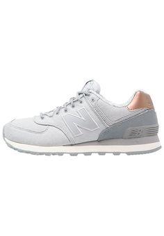 Chaussures New Balance WL574 - Baskets basses - silver mink gris: 100,00 € chez Zalando (au 01/01/17). Livraison et retours gratuits et service client gratuit au 0800 915 207.