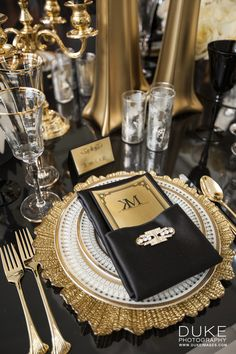 Sample of going more above on your long table and then extending a simpler - Table Settings Gatsby Themed Party, Great Gatsby Party, Gatsby Wedding, Gold Wedding, Great Gatsby Themed Wedding, Wedding Themes, Wedding Decorations, Wedding Parties, Party Centerpieces