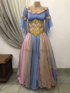 Roupa Cigana - (cód.03057) Boho Hippie, Hijab Fashion, Fashion Outfits, Dancing Day, Spanish Fashion, Renaissance Costume, Sydney Wedding, Estilo Boho, Costume Design