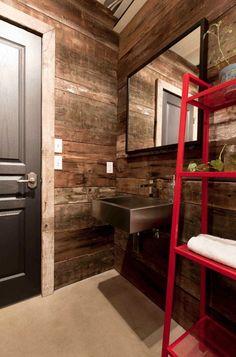 baño de casa hecha con vagones
