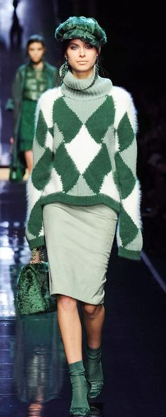 Ermanno Scervino Knitwear Fashion, Knit Fashion, Love Fashion, Runway Fashion, Womens Fashion, High Fashion Dresses, Lookbook, Elegant Outfit, Casual Street Style