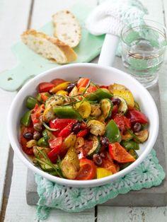 Tag 2/3: Eine einfache Gemüsepfanne mit Knoblauch und Zwiebeln für den Geschmack und nur einem Löffel nativem Olivenöl zubereitet! Schmeckt super danach mit Kräutern würzen ❤