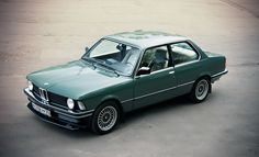 wow.  amazing.  my appreciation for classic BMW's comes from my father.  this one is incredible.