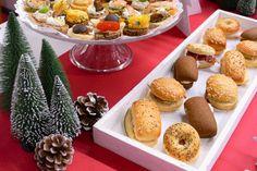 Bar salé noel chez Toy's R Us par Studio Candy - petits fours et décorations de noel Bar A Bonbon, Muffin, Candy, Studio, Breakfast, Food, Petit Fours, Business, Sweet