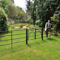 Estate Fencing & Gate