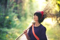 Over the last three decades, Miyazaki, and his company Studio Ghibli, have been behind some of the greatest masterpieces that animated film have ever seen. Easy Costumes, Cosplay Costumes, Cosplay Ideas, Kiki's Delivery Service Cosplay, Kiki Cosplay, Studio Ghibli Characters, Cosplay Makeup, Cosplay Hair, Best Movie Posters