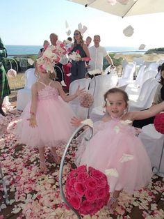 fairy tale bridesmaid and flower girls Algarve @Tempêrus http://www.planetweddings.co.uk/portugal.html