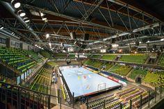 6. Heimspielsieg? Nach dem überzeugenden Sieg im Frankenderby gegen Coburg folgt heute die nächste, wichtige Aufgabe gegen die HG Saarlouis. Der HC Erlangen will auch das sechste Heimspiel in Folge gewinnen. Ich freue mich und bin mit meinen Kameras auch wieder dabei. www.hc-erlangen.de/ #handball #bundesliga #sport #erlangen #hcerlangen #hlstudios #ArenaNuernbergerVersicherung