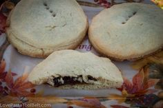 Grandma& Raisin Filled Cookies - Love, Pasta, and a Tool Belt Mincemeat Cookie Recipe, Cookie Brownie Bars, Cookie Desserts, Dessert Recipes, Crazy Cookies, No Bake Cookies, Baking Cookies, Best Cookie Recipes, Desert Recipes