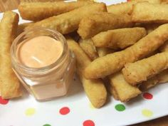 Homemade Chickpea fries, with sriracha mayo. So easy to make, crispy and tasty!