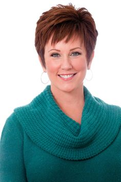 Geralin Thomas from Hoarders. Love this haircut and I love Geralin!