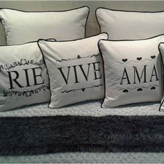 Best Pillow, Decorative Cushions, Seat Covers, Pillow Cases, Cricut, House Design, Throw Pillows, Bed, Interior