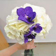 Buchet de mireasa/nasa doar la 123flori Nasa, Bouquets, Bouquet, Bouquet Of Flowers